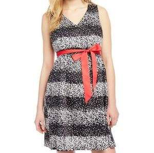 ❤HOST PICK❤️ Dot print maternity dress w/ red belt